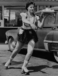 Roller skating carhop, 1950s | Vintage photos, Roller girl, Waitress